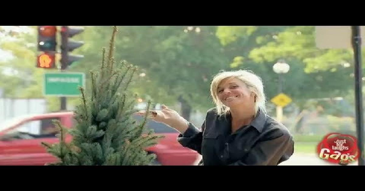 Christmas Tree That Grows Very Fast Prank Funny Video